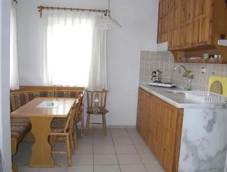 Zircon Apartments