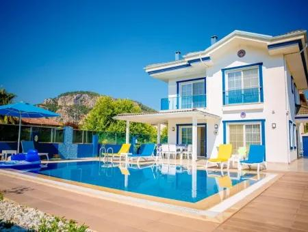 Dalyan Gülpınarda Lüks Satılık Villa .